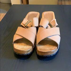 Candies Tan Sandals Women's Size 7.5